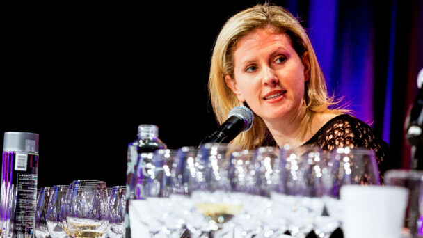 Alison Napjus '99 Helps Oenophiles Decide What to Uncork