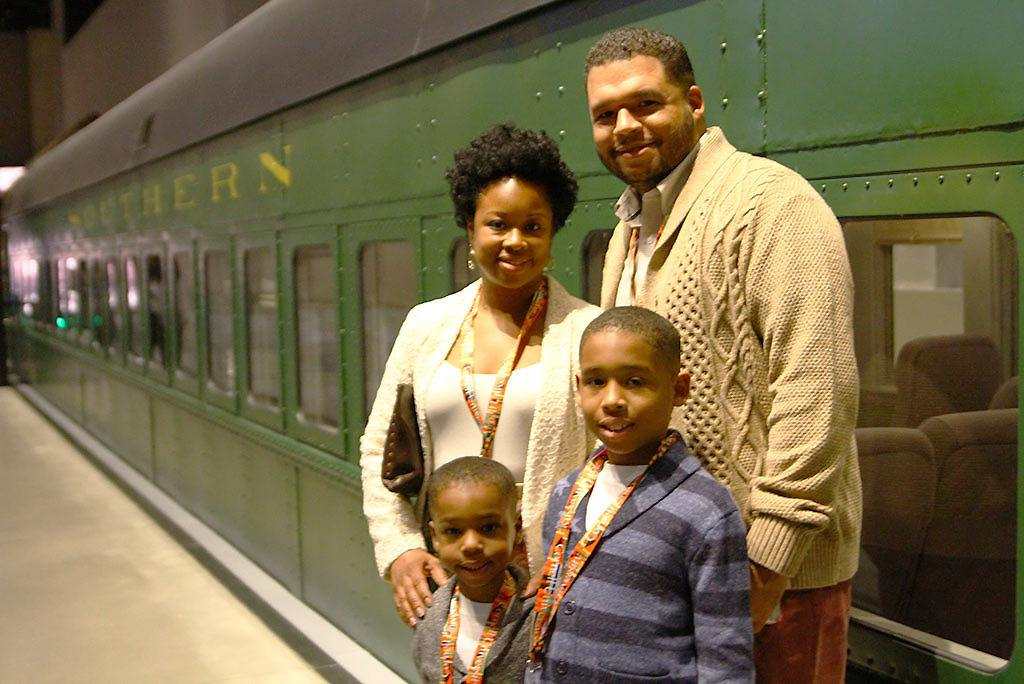 The Smith family make a trip to the museum.
