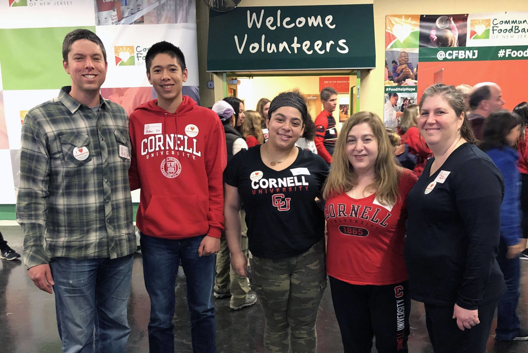 Recently accepted early decision Cornellians and their families join in Cornell Cares Day in New Jersey.