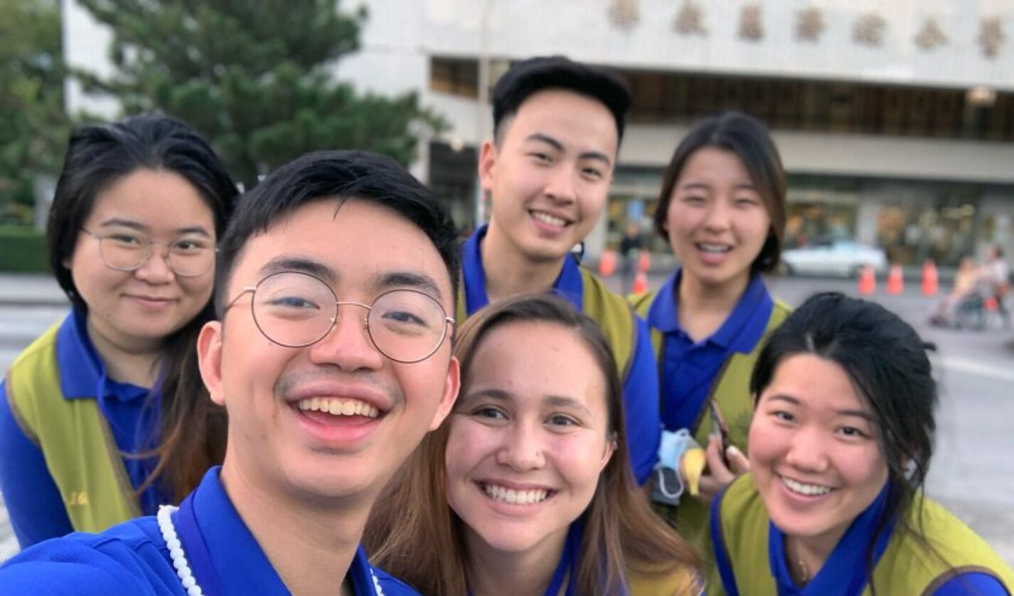 Dustin Liu '19 with fellow Cornellians during a Jan 2019 service trip in Hualien, Taiwan, serving the Tzu Chi Foundation.