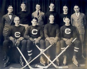 Henry Isaac Arnold '24 (top row, far right) was the Cornell men's hockey team manager.