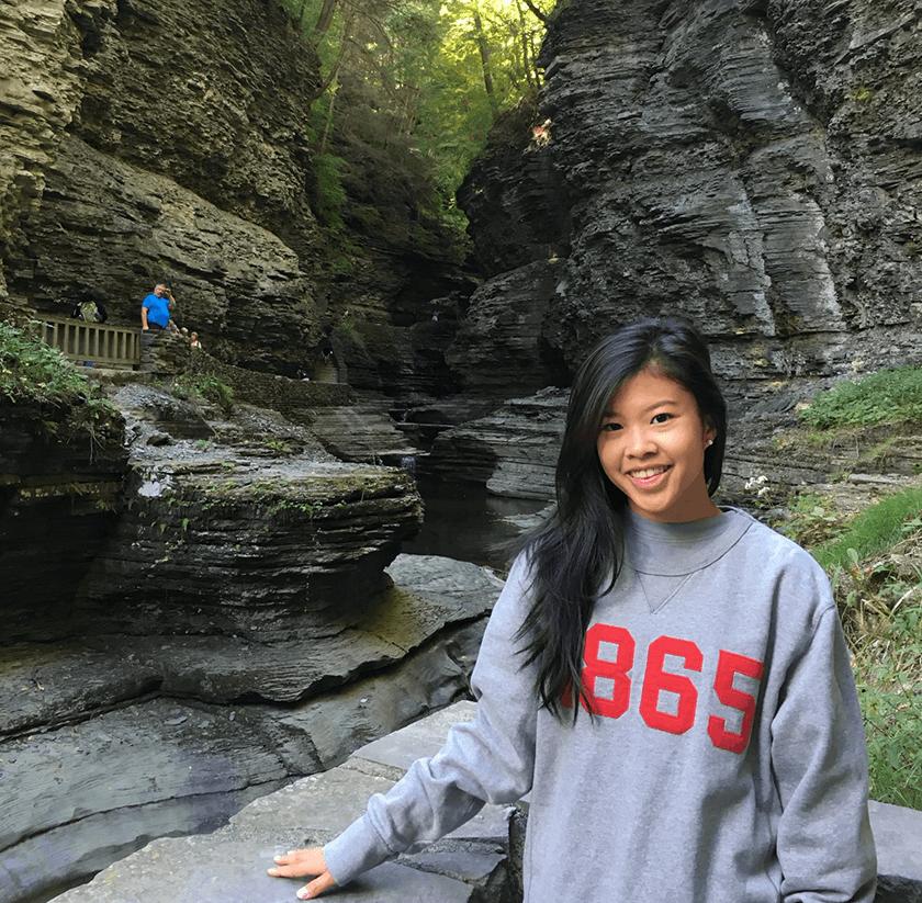 Janelle Teng '11